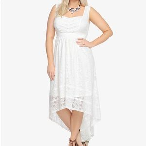 Torrid NWT white lace gauze hi-lo maxi dress ✨
